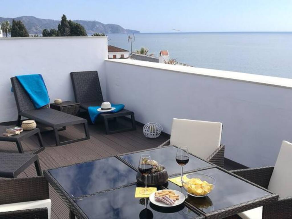 Carabeo.Sun, beach, gastronomy and culture.