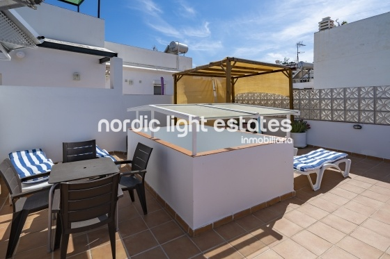Centre, roof terrace with BBQ, sun and beach