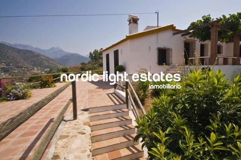 Similar properties Marvellous country villa, no track
