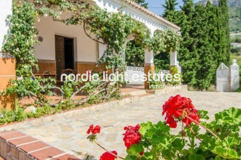 Lovely villa in Frigiliana