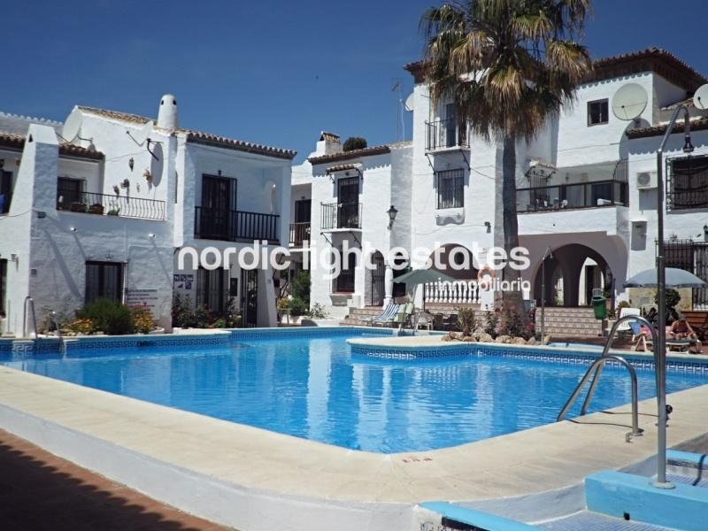 Casa adosada, piscina comunitaria