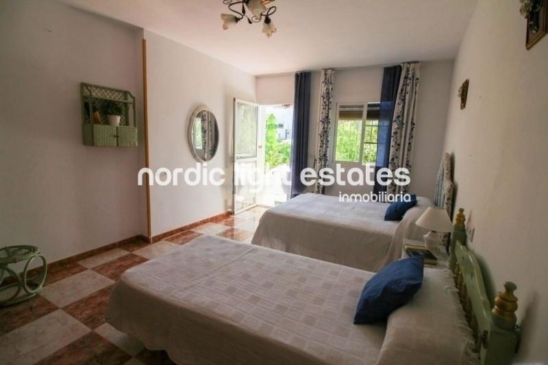Similar properties Villa in Nerja with terrace