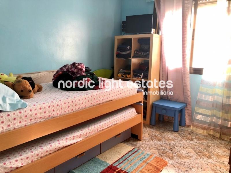 Piso amplio con 3 dormitorios