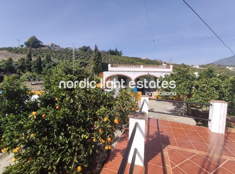 Pretty country villa with pool close to Frigiliana