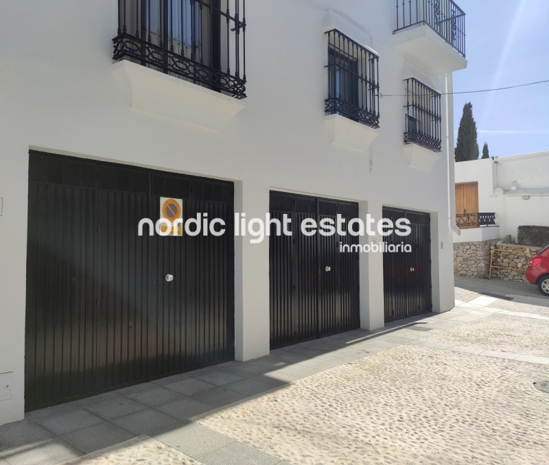 Large house with 3 closed garages