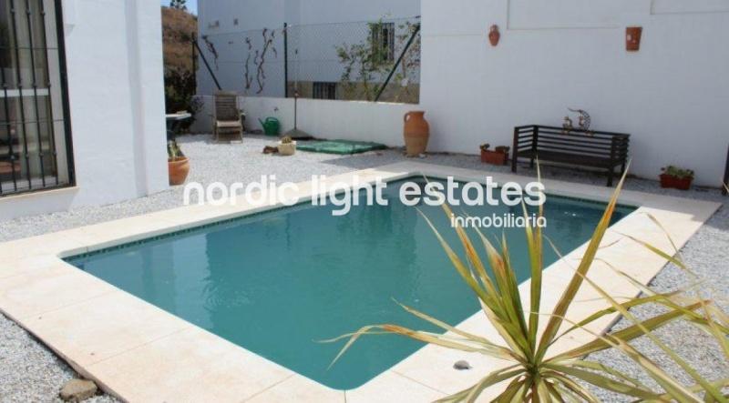 Similar properties Villa in Torrox Costa (El Peñoncillo)