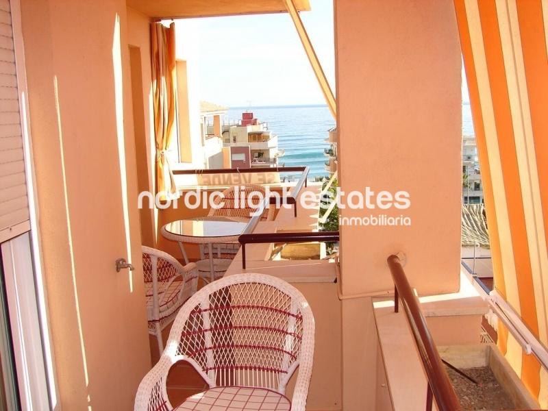 Ático con vistas al mar en Torrox Costa