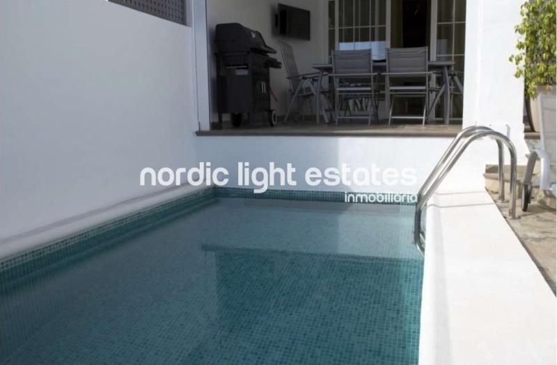 Villa con piscina en Nerja
