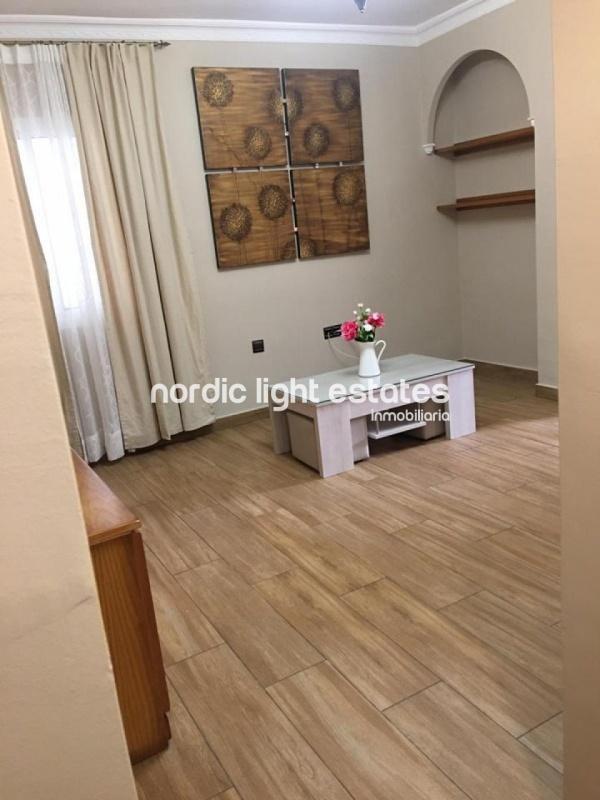 Bright apartment Nerja centre