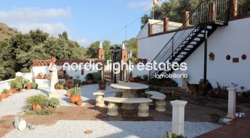 Villa en Torrox con piscina privada