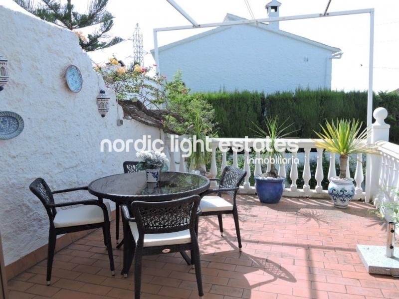 Linda villa independiente con jardín privado