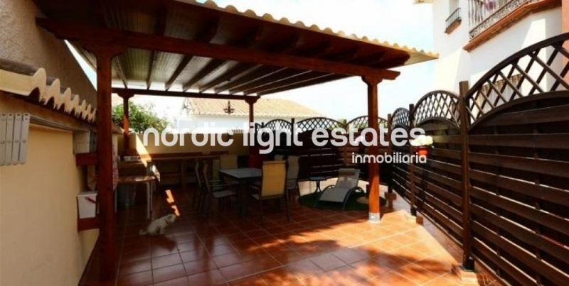 Similar properties Modern penthouse on the outskirts of Nerja